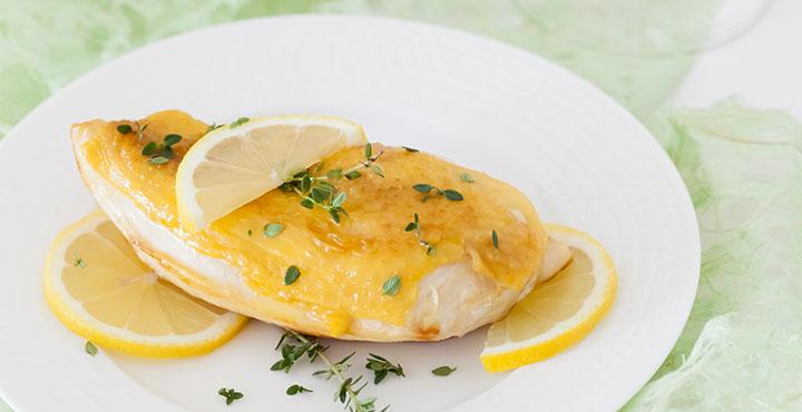 Receta de pollo con tomillo y limón maridado con Donzell