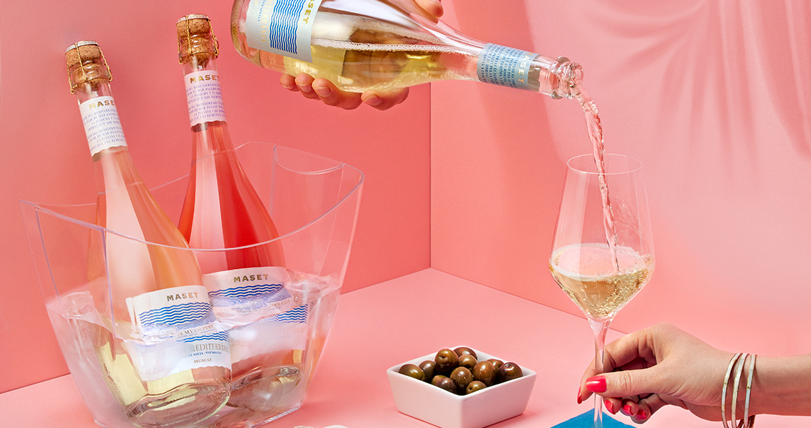 Nueva imagen de nuestra gama de vinos de aguja Abadia Mediterrània